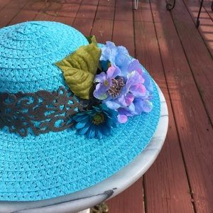 Accessories - Beautiful Derby Hat